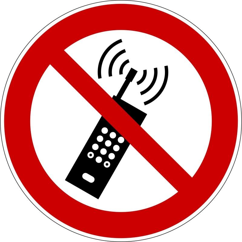Panneau interdiction d´activer des téléphones mobiles