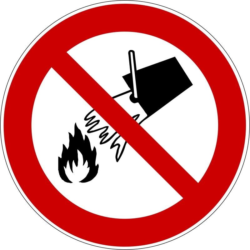 Panneau interdiction d´éteindre avec l´eau